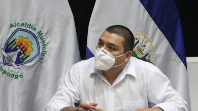 """Photo of """"Por la estupidez ideológica, la gente sigue muriendo"""""""